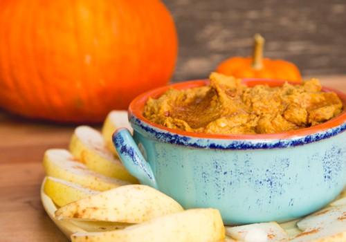 Rudens derliaus užkandžiai vaikams: nuo morkų keksiukų iki moliūgų humuso