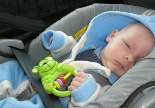 Kokią automobilio kėdutę išrinkti trijų mėnesių kūdikiui?
