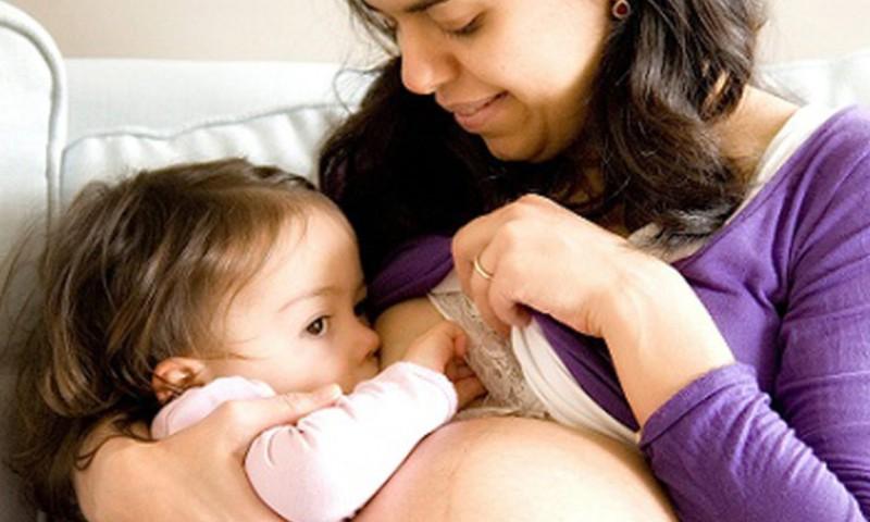 Kai maitinanti mama ima lauktis kūdikio: II DALIS