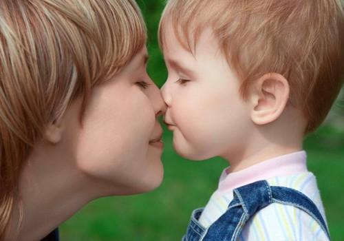 Psichologė: Vaikams sakykite teigiamus dalykus, skatinkite ir girkite