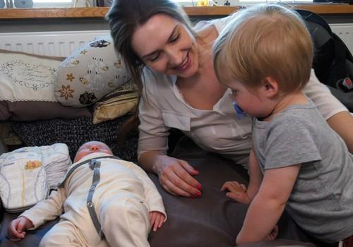 Kaip auga super mažylis: akušerės vizitas į namus