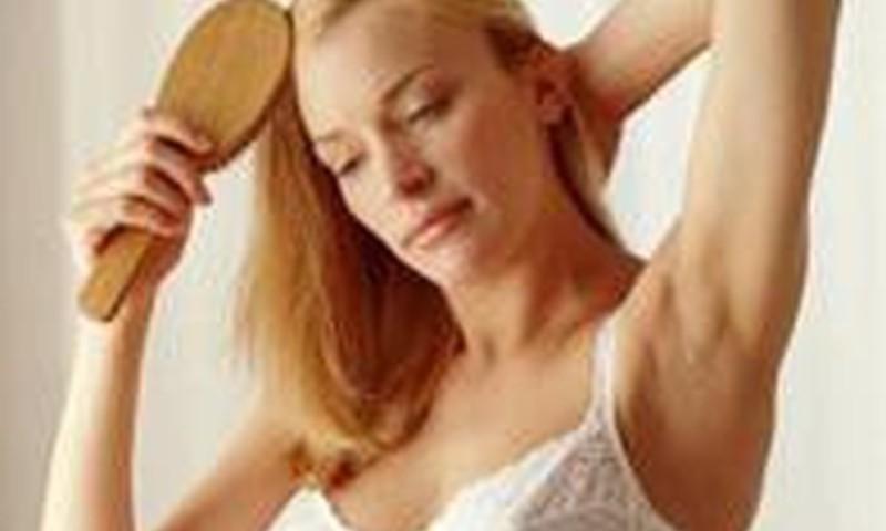 Kaip atgaivinti plaukus po gimdymo?