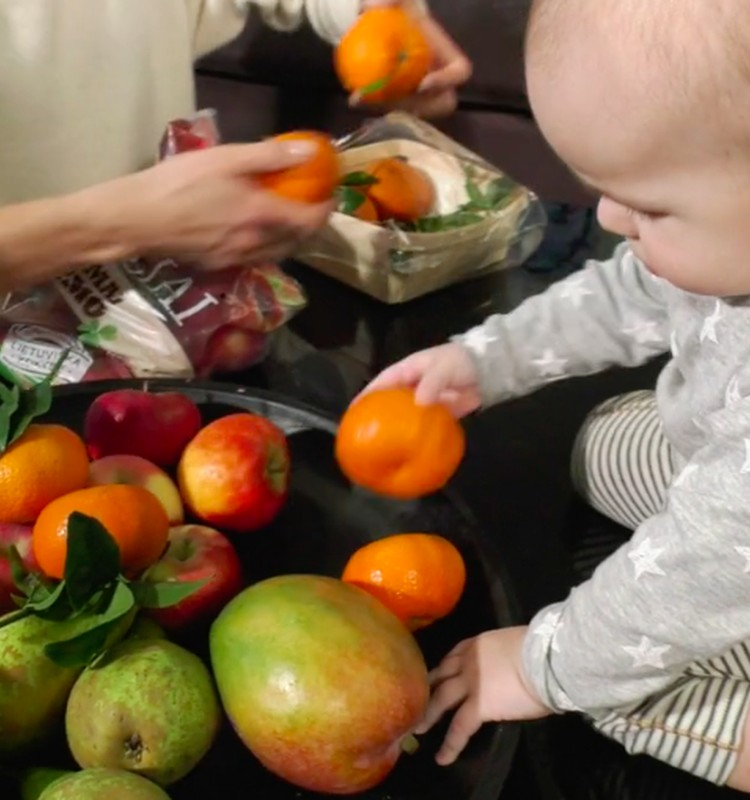 VIDEO: Vaisiai ir uogos mažylio mityboje - kaip pasirinkti?