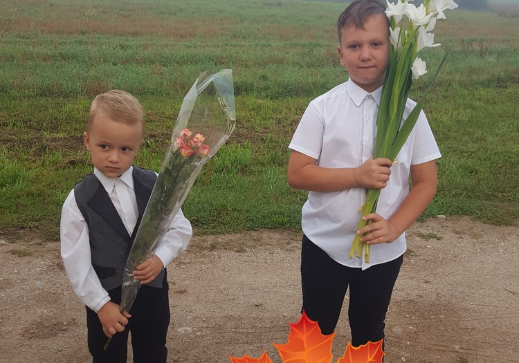 Broliukų šventinės akimirkos