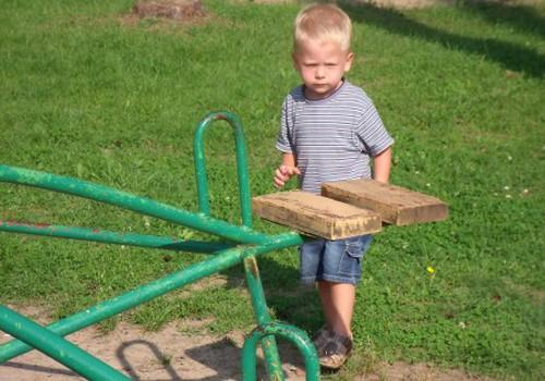 Kaip Elijui sekasi darželyje