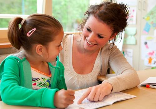 Apie ką kalbėtis su būsimu pirmokėliu: 4 mokytojos patarimai