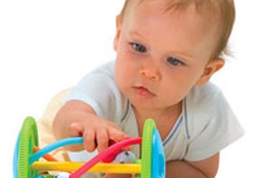 Lavinamieji žaidimai ir žaidinimai 6-12 mėnesių vaikams. I dalis