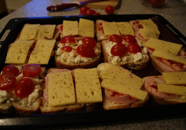 Meilės kupini karšti sumuštiniai