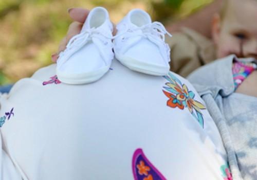 """9 mėnesiai: """"Šią savaitę dar negimdykit, o kitą - jau galit"""" ir nėščiųjų cholestazės šešėlis"""