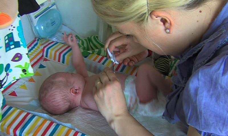 Kada ir kaip tinkamai kirpti kūdikiui nagučius: pataria akušerė