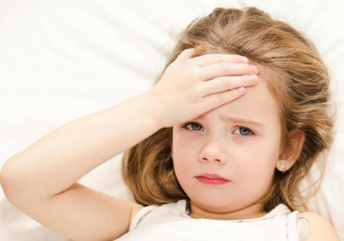 Psichologės patarimai, kaip elgtis, kai serga vaikas