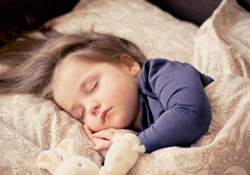 Tavo vaikas šlapinasi į lovą? Pasidalink patirtimi, užduok klausimą specialistui ir laimėk dovanų!