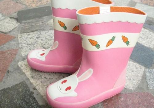 Renkamės guminius batus: ką sako pediatrai