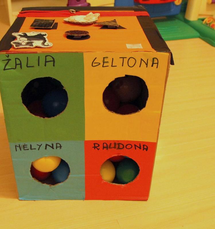 Kamuoliukų dėžė pagaminta namuose