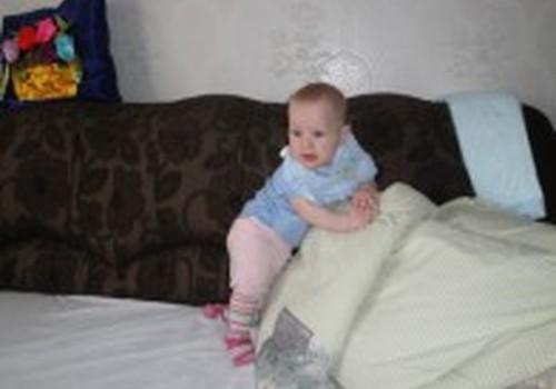 Penkių mėnesių kūdikis atsistojo! Sunerimti?