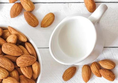 Migdolų, avižų, ryžių ir kitas augalinis pienas - ar jis sveikas?+RECEPTAI