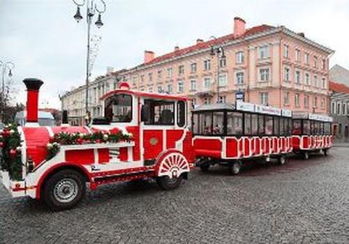Kalėdinis traukinukas laukia mažųjų vilniečių