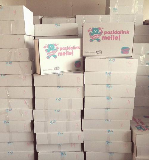 """Akcija """"Pasidalink meile"""": Supakuota per 200 kraitelio dėžių"""