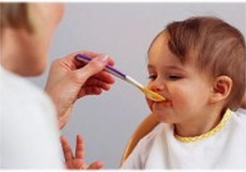 LENTELĖ: Rekomenduojamas kalorijų kiekis ir porcijos dydis vaikams nuo 1 iki 13 metų amžiaus
