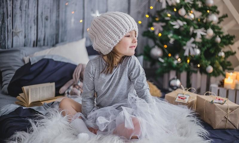"""Dovanos vaikams: kiek jų """"pakanka"""" Kalėdoms ir Naujiems metams?"""