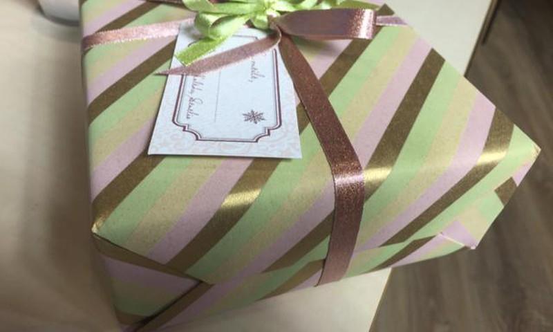 FOTO patarimai, kaip meistriškai supakuoti dovanas