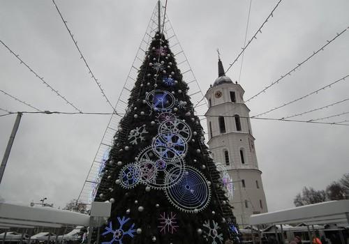 Kalėdinės miestų eglutės