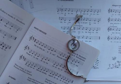 Augame su muzika