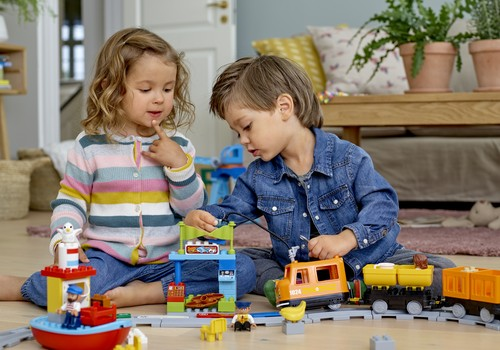 Žaidimas rolėmis: kuo jis naudingas vaikams?
