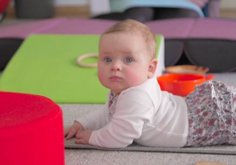 VIDEO: Kūdikio vystymosi vadovas septintą mėnesį
