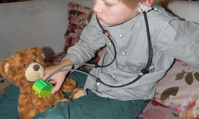 Silvestras(5metai) - gydytojas