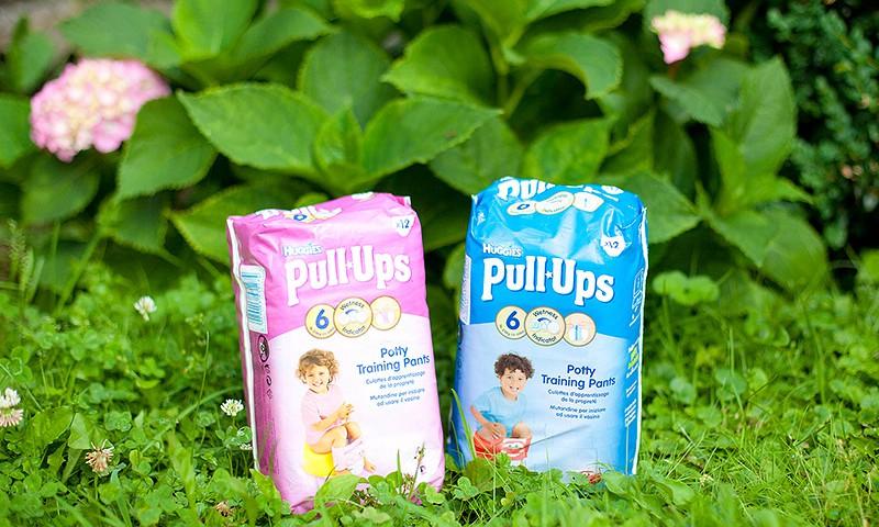 Pratiname mažylį prie puoduko kartu su specialiomis, sugeriančiomis sauskelnėmis Huggies® Pull-Ups®!