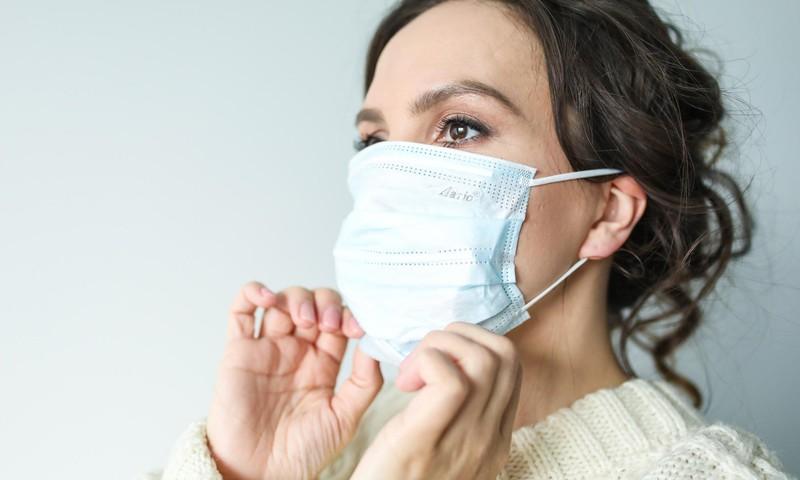 Kodėl pandemija negali trukdyti mamai priglausti kūdikio?