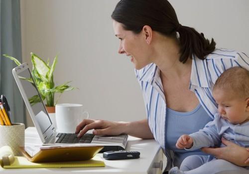 """Po motinystės """"atostogų"""" - į darbą! Ar lengvai grįžote?"""