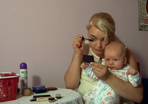 Kokiomis grožio procedūromis saugu lepintis, auginant kūdikį?