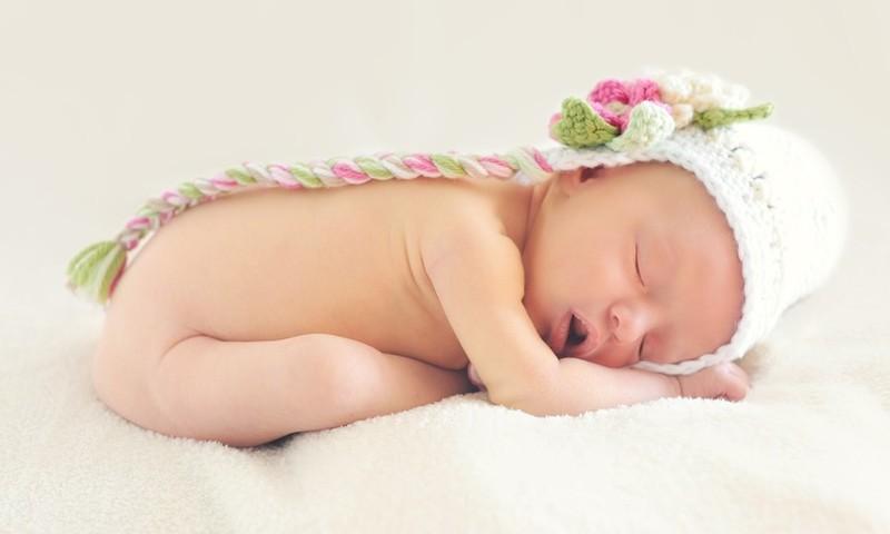4 priežastys, kodėl mažyliai gali knarkti