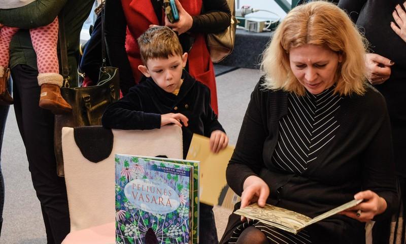 Kaip paskatinti vaiką pradėti skaityti?