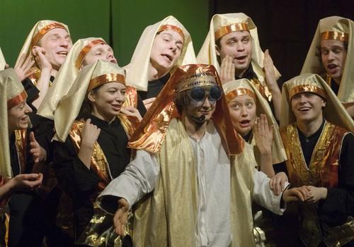"""""""Juozapas ir jo svajonių apsiaustas"""" - brodvėjiška nuotaika Keisuoliuose"""