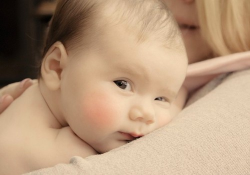 10 būdų, kaip padėti sloguojančiam kūdikiui?