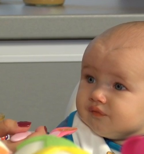 """""""MAMYČIŲ TV"""": Pirmoji košė: nuo kada, kiek ir kaip? Pataria mitybos specialistė Liucija"""