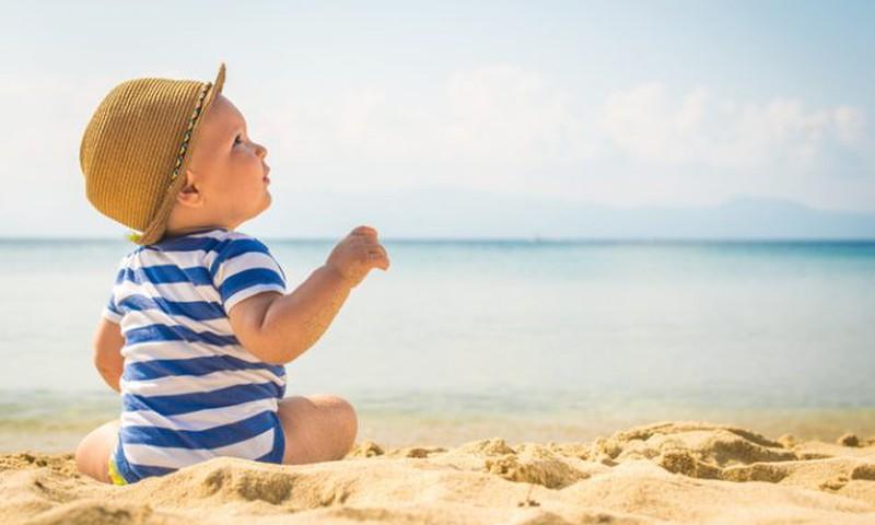 Su mažyliu pajūryje: atmintinė tėvams