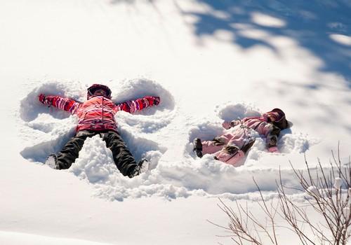 Mėgstamiausi jūsų vaikų užsiėmimai žiemą +knyga