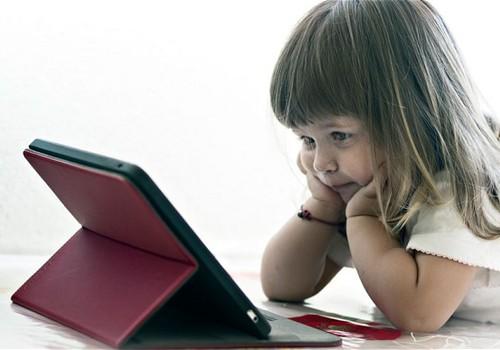 Ar klausiate vaikų, kaip jiems šiandien sekėsi internete?