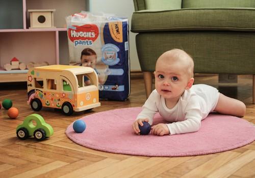 Jei mažylis nenori gulėti ant pilvo: kineziterapeutės patarimai