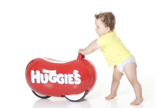 Mažylis nuo 6 mėnesių: mokomės ropoti, sėstis ir stotis. Ką svarbu žinoti šiuo laikotarpiu?