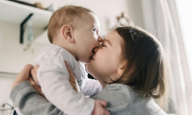 Vaikai tarpusavyje nuolat pešasi: psichologės komentaras