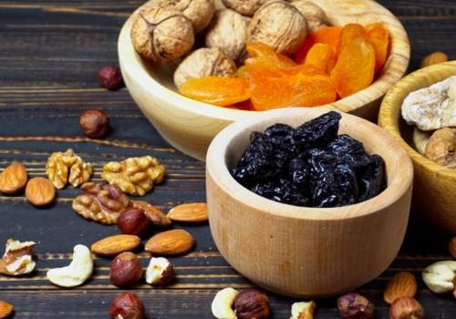 TOP 4 sveikatai naudingi džiovinti vaisiai+GRANOLA receptas