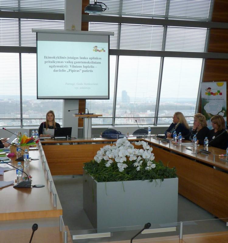 Gamtamokslinė vaikų patirtis vaikų darželių lauko aplinkose Lietuvoje ir svetur
