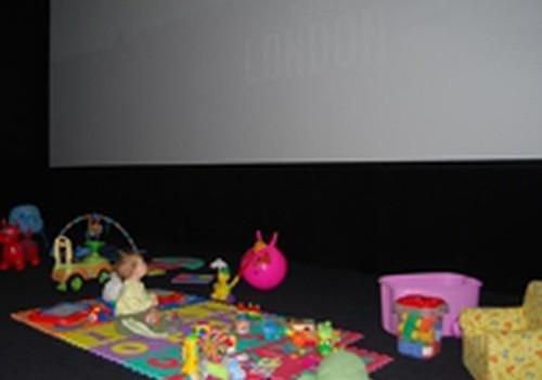 """""""Multikino"""" – specialūs kino seansai tėveliams su mažais vaikais"""