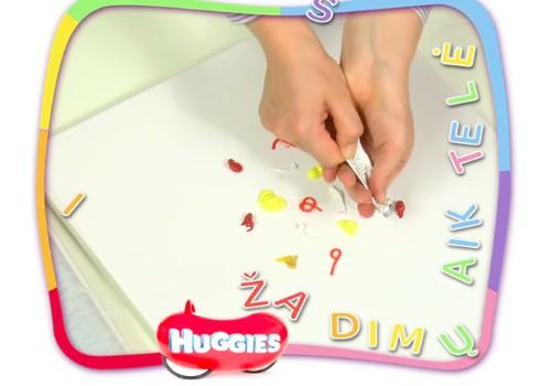 """VIDEO """"Huggies žaidimų aikštelė"""": mažylis kuria šedevrus"""