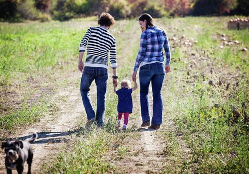 Papasakok apie pasivaikščiojimus su mažyliu ir laimėk ergo-nešioklę!